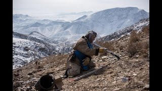A look at Afghan deminersthrough the lens thumbnail