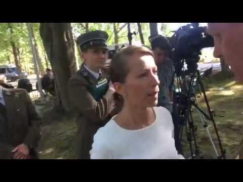 Natarczywe zachowanie dziennikarki TVN24 po briefingu ministra środowiska