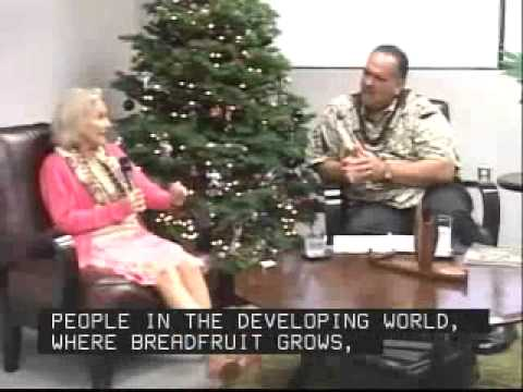 Kauai Mayor Chats with NTBG Breadfruit Expert