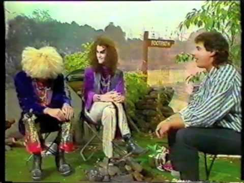 Doctor & The Medics on Saturday live