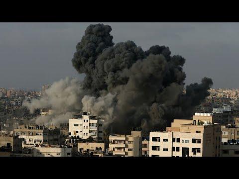 غزة: الفصائل الفلسطينية توقف إطلاق الصواريخ وإسرائيل تدمر مركزا ثقافيا