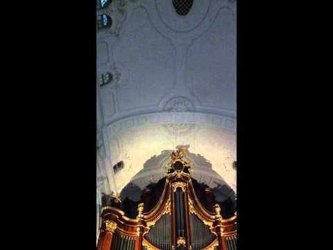 Playing organ at Hauptkirche St. Michaelis