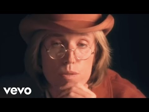 Tom Petty And The Heartbreakers - Into The Great Wide Open (Official Video)