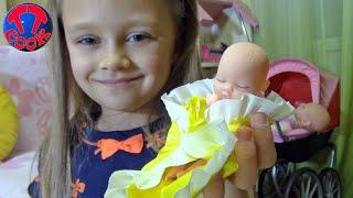 Сюрприз для Ярославы - открываем Шар Сюрприз с Пупсом! Распаковка бомбочек LOL Видео для детей
