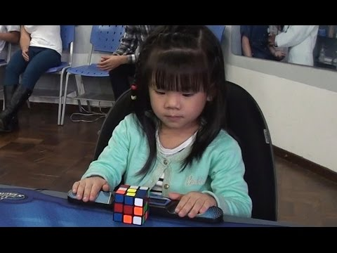 3 years old girl Rubik's Cube Solver :47 seconds