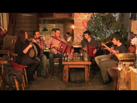 Trad Session at The Fiddlestone: Traditional Irish Music from LiveTrad.com