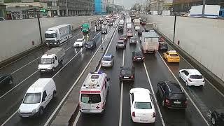 Смотреть видео Поток машин на ТТК (Москва), весна-лето 2018 онлайн