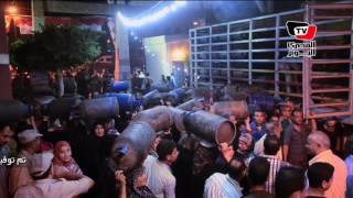 محافظ الدقهلية يشرف على توزيع اسطوانات الغاز بقرية أتميدة