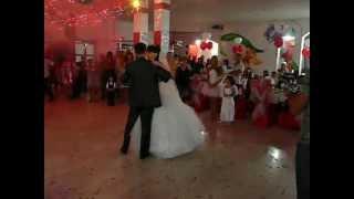 самый красивый первый танец жениха и невесты.