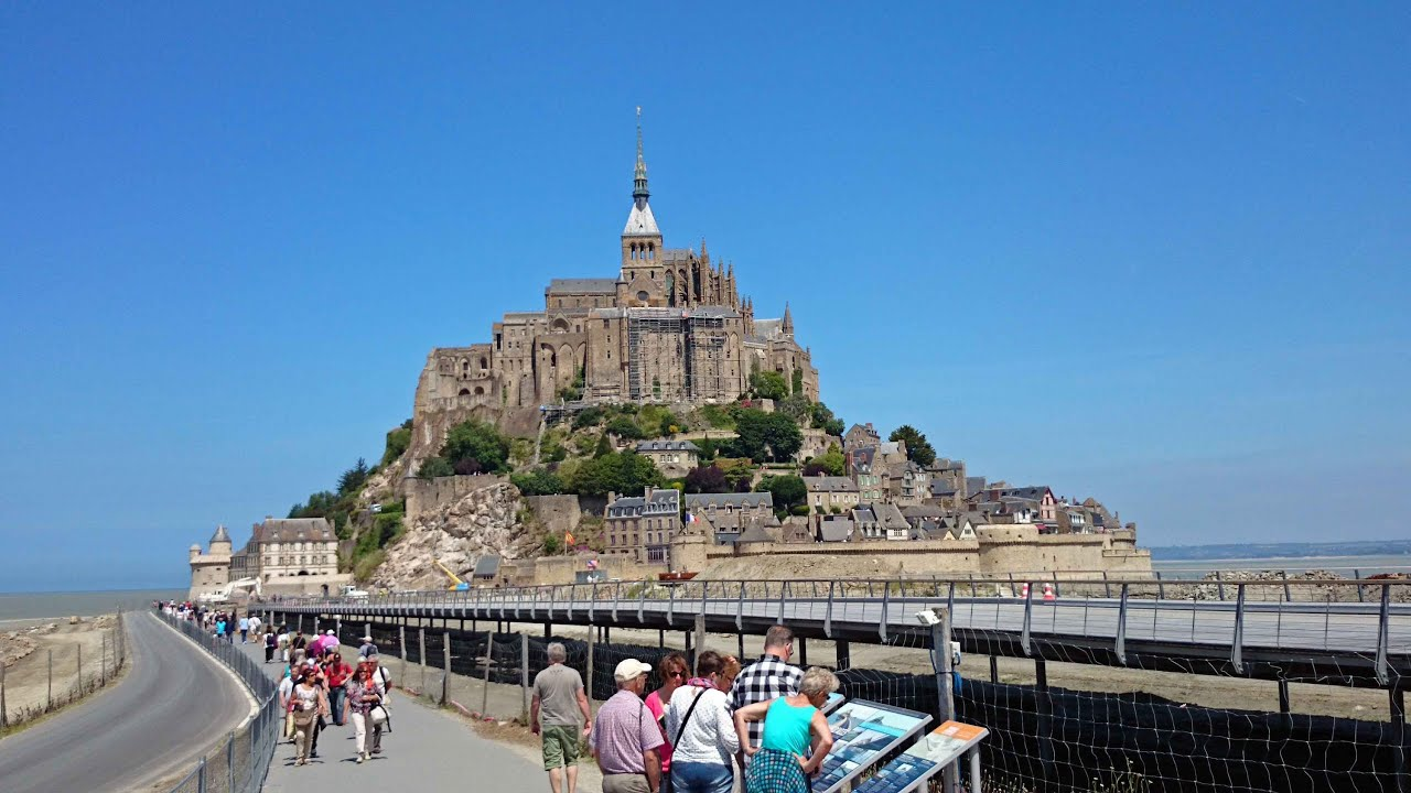 Mont saint michel une attraction touristique populaire for Site touristique france