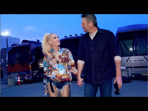 Blake-Shelton-Nobody-But-You-Duet-with-Gwen-Stefani-Live