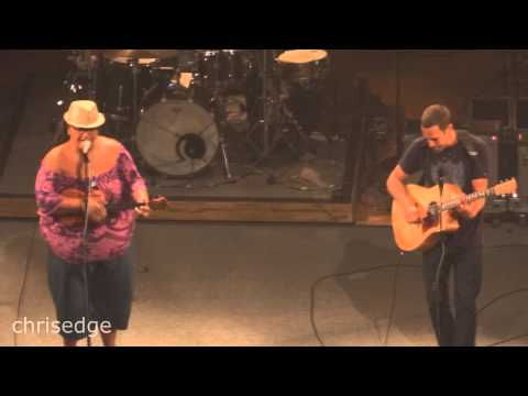 HD - Jack Johnson Live! - Country Road w/ Paula Fuga HQ Audio - 2013-10-19 - Los Angeles, CA