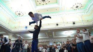 Лезгинка от Армян)) Круто танцуют парни