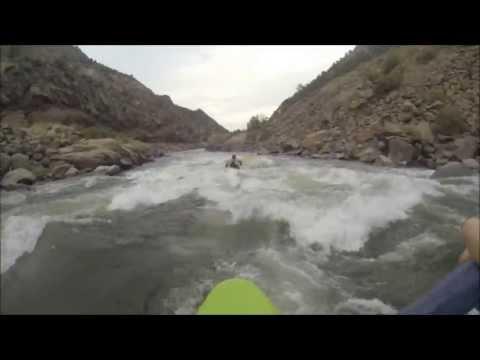 Learning How to Kayak - First Class III Kayak Trip