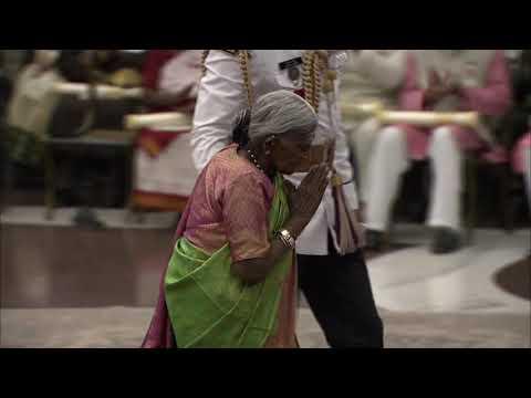 President Kovind Presents Padma Shri To Smt Saalumarada Thimmakka