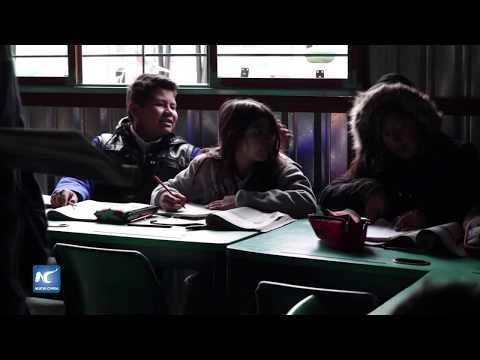 La escuela del vagón en México imparte educación en originales condiciones