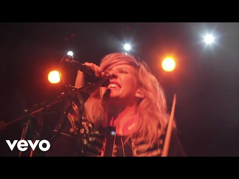 Ellie Goulding - Under The Sheets (Live Rising)