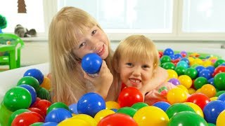 """The Ball Pit Show for learning colors #4 """"Summerland"""" -- children's educational video"""