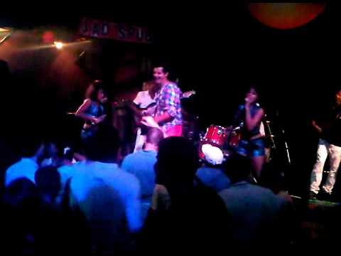 Jerry Marcoss featuring Frett - Jao's Pub 14-04-2012