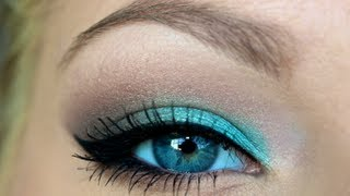 Getting Ready ♡ Turquoise Smokey Eye
