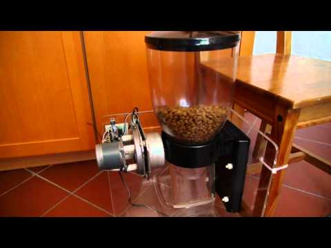 Automatic cat feeder with stepper motor and ATMega AVR