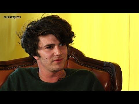 """Blind Date mit Faber: """"Wäre ich YouTube, würde ich die Kommentarspalte weglassen"""""""