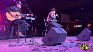 Gabby Barrett Performs 'I Hope' at Club Rodeo