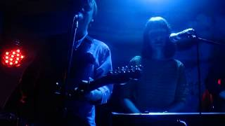 Comet Gain - An Arcade From The Warm Rain That Falls (Live @ The Shacklewell Arms, London, 04/08/13)