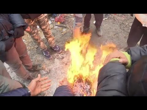Migrants face harsh winter weather on Serbian border