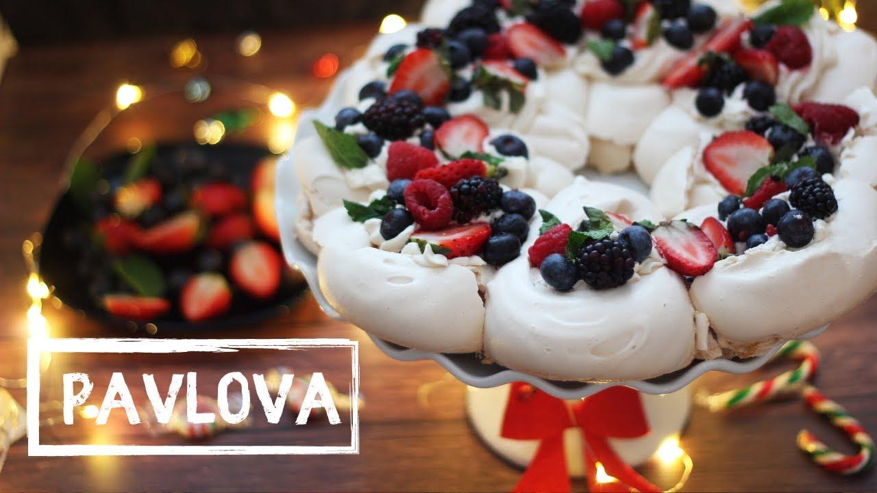 Yılbaşı İçin Çelenk Pavlova