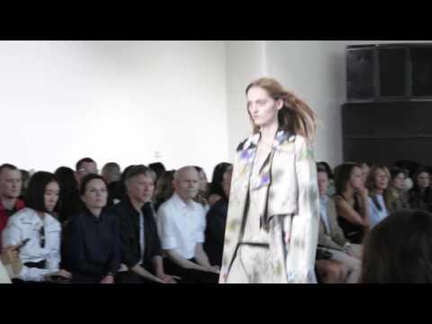 Fashion Week : Interview backstage avec Francisco Costa chez Calvin Klein