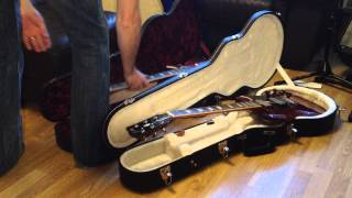Does a Gibson Les Paul fit into a Gibson SG case?