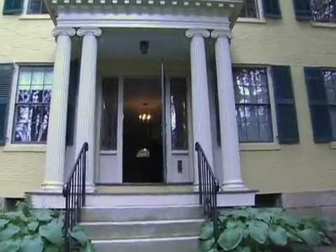 Emily Dickinson: The Poet In Her Bedroom