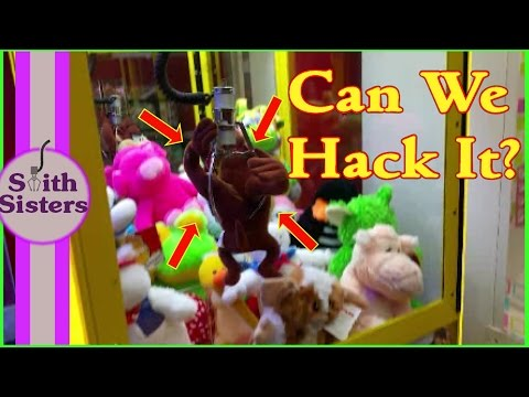 Hacking Claw Machine Hacks!! Can We Hack It? Win Or No Wins? Smith Sisters @ The Game Room