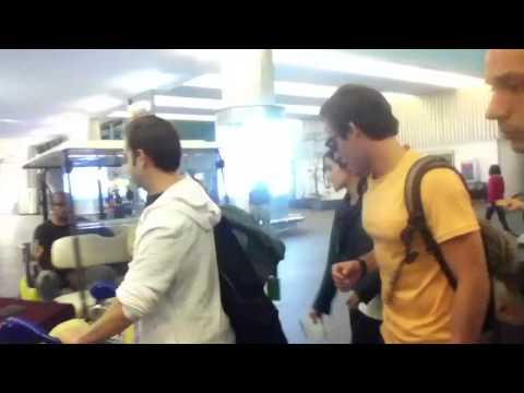 Kevin Zegers llegando a la Ciudad de México