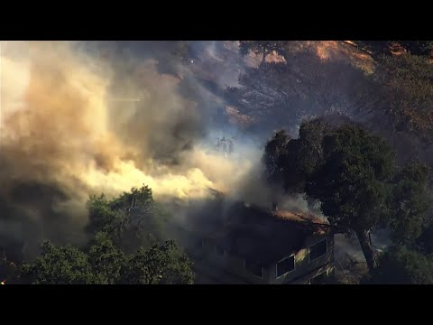 Raw Video: San Jose Grass Fire Spreads To Homes