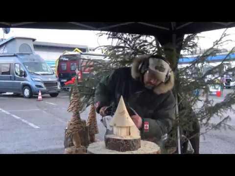 Skulpturen schnitzen mit der Motorsäge - Weihnachtsmarkt Hirschfeld Oedheim 2017