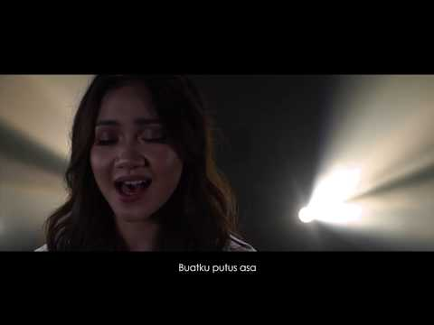 Daiyan Trisha - Kita Manusia (Official Music Video)