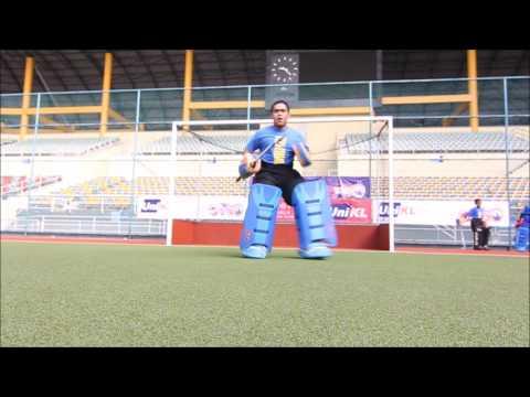 Latihan Asas Penjaga Gol Hoki #4 Menahan bola menggunakan kaki (cross foot block)