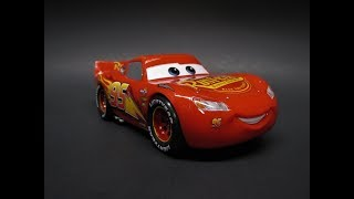 Revell Disney CARS Lightning McQueen 1/24 Scale Model Kit Build Review 85-1988