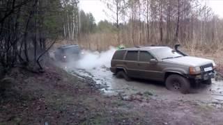 2 Grand Cherokee ZJ in mud