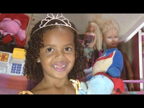 Menina de 5 anos dá show de solidariedade em cidade do Rio | Primeiro Impacto (17/04/18)