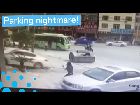 Chinese Driver Has Parking Nightmare
