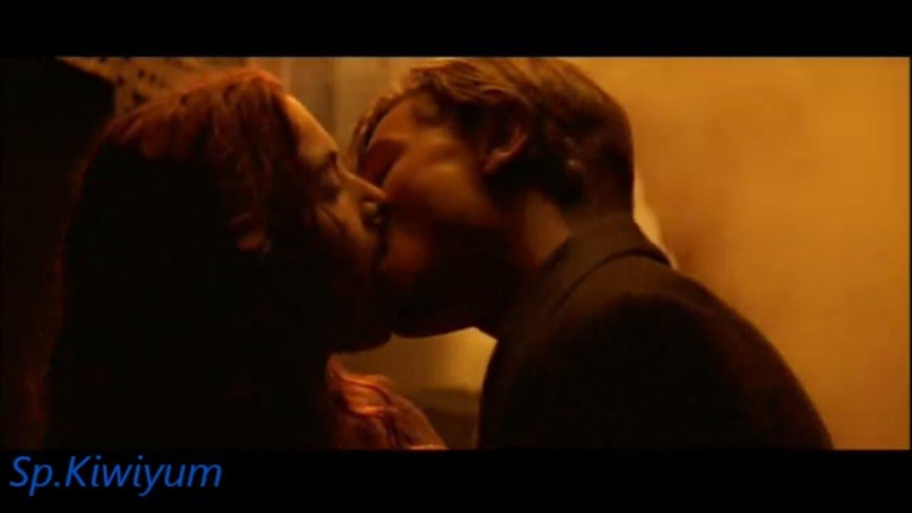 Kissing romantic scenes movies The 10