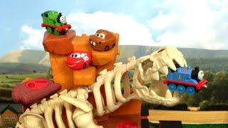 Thomas and Friends Toy Trains in Dinosaur Skeleton with Disney Cars Toy Surprise Eggs
