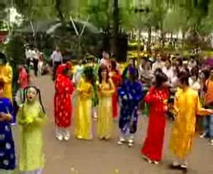 Long Phung Sum Vay