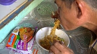 Jakarta Street Food 345 Indomie Fried  Beef Caramelyzed Curry Indomie Goreng Rendang