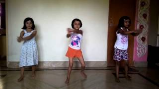 Ayantika, Ankita & Kriti performing dance Bulbul Pakhi Moyna tiye....