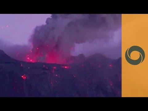 """Throat of Fire"" Spews Smoke And Ash - Tungurahua Volcano Eruption"