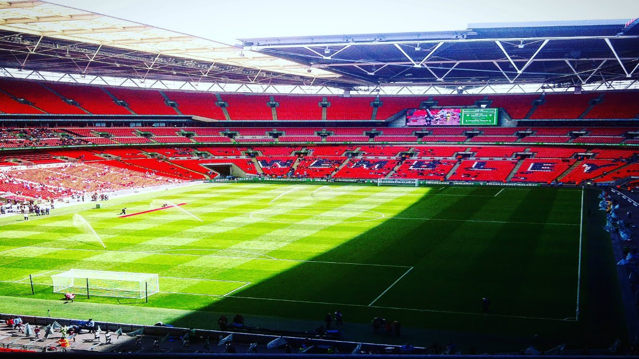 Hereford fc vs morpeth town fa vase final 2016 youtube hereford fc vs morpeth town fa vase final 2016 floridaeventfo Image collections